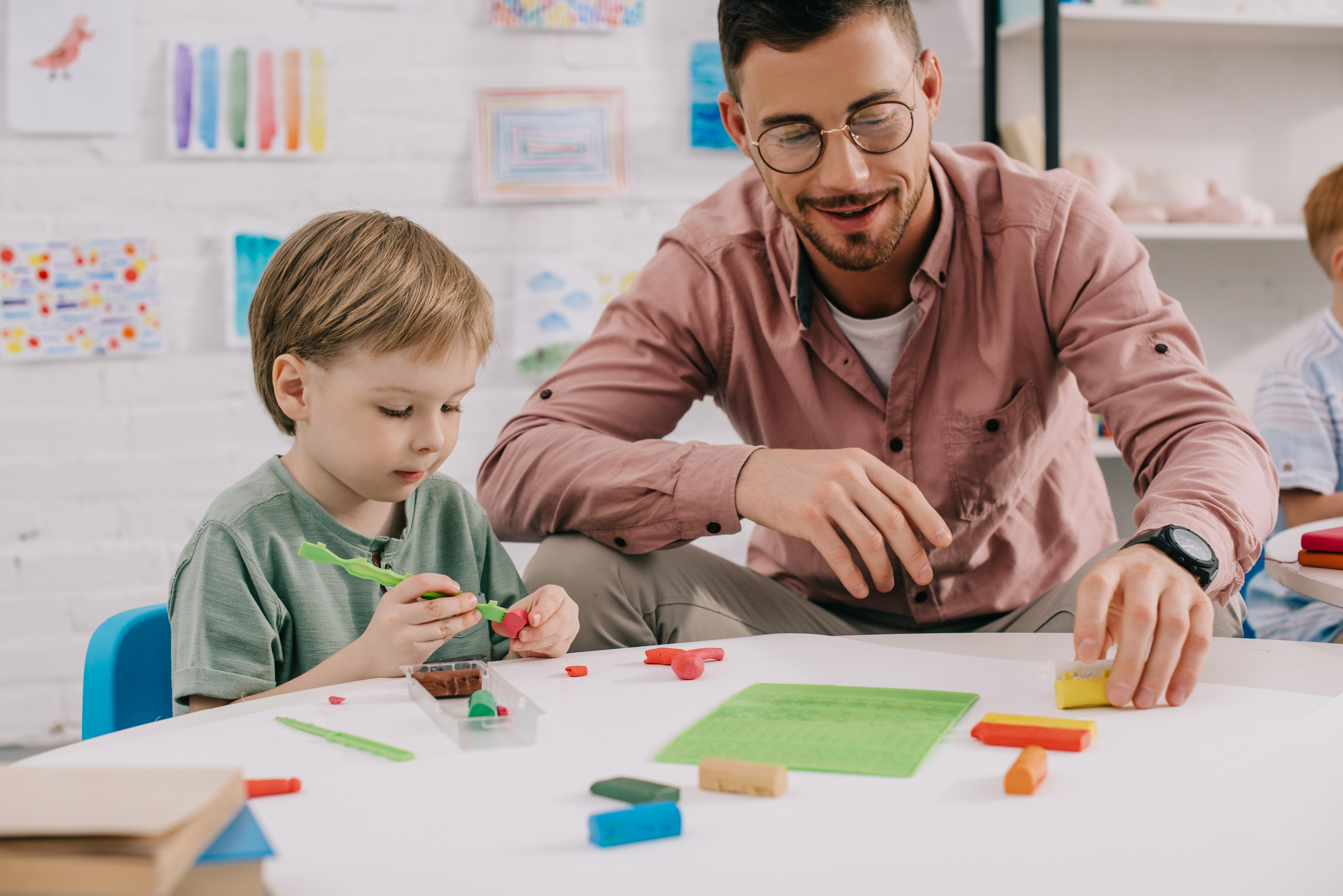Cómo abordar dificultades de aprendizaje en alumnos con necesidades específicas gracias a un adecuado apoyo educativo (30 horas)